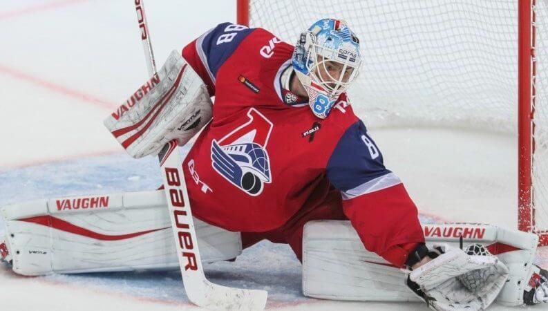 «Локомотив» расторг контракт с Лазушиным
