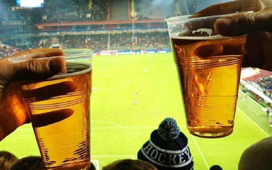 Продажу пива на стадионах России могут разрешить уже в ноябре